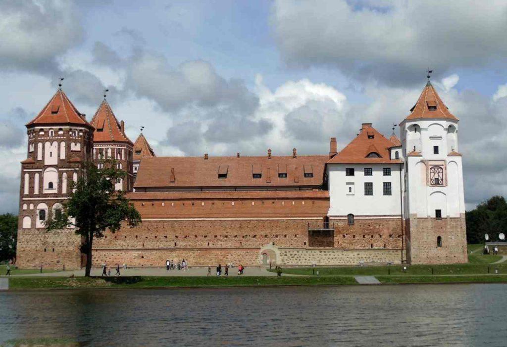 Вид на Мирский замок, Белоруссия