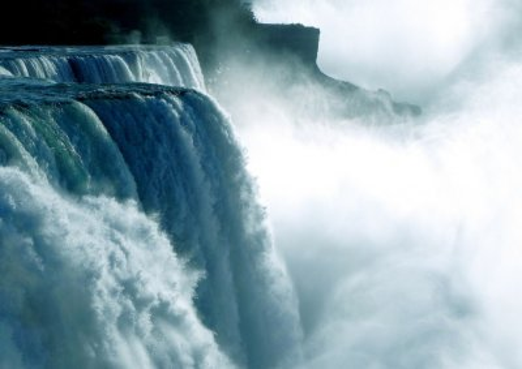 Ниагарский водопад на границе Канады и США
