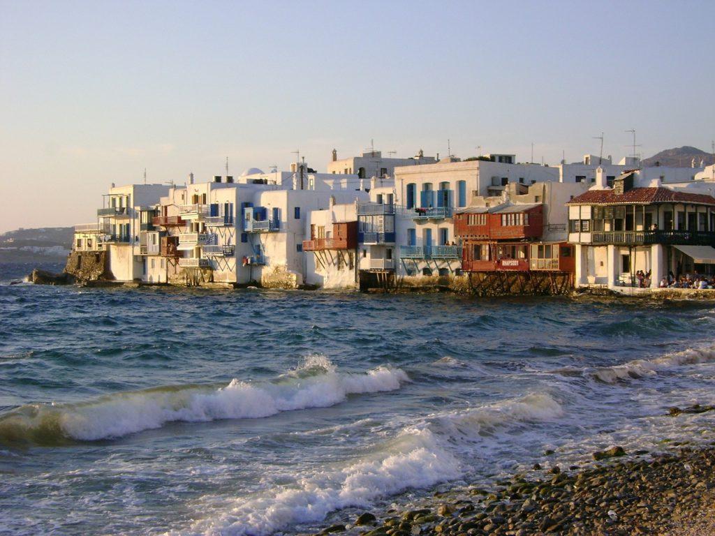 Район «Маленькая Венеция» на греческом острове Миконос