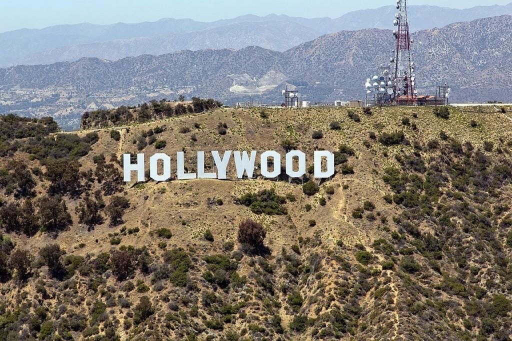 Знак Hollywood на Голливудских холмах в Лос-Анджелесе
