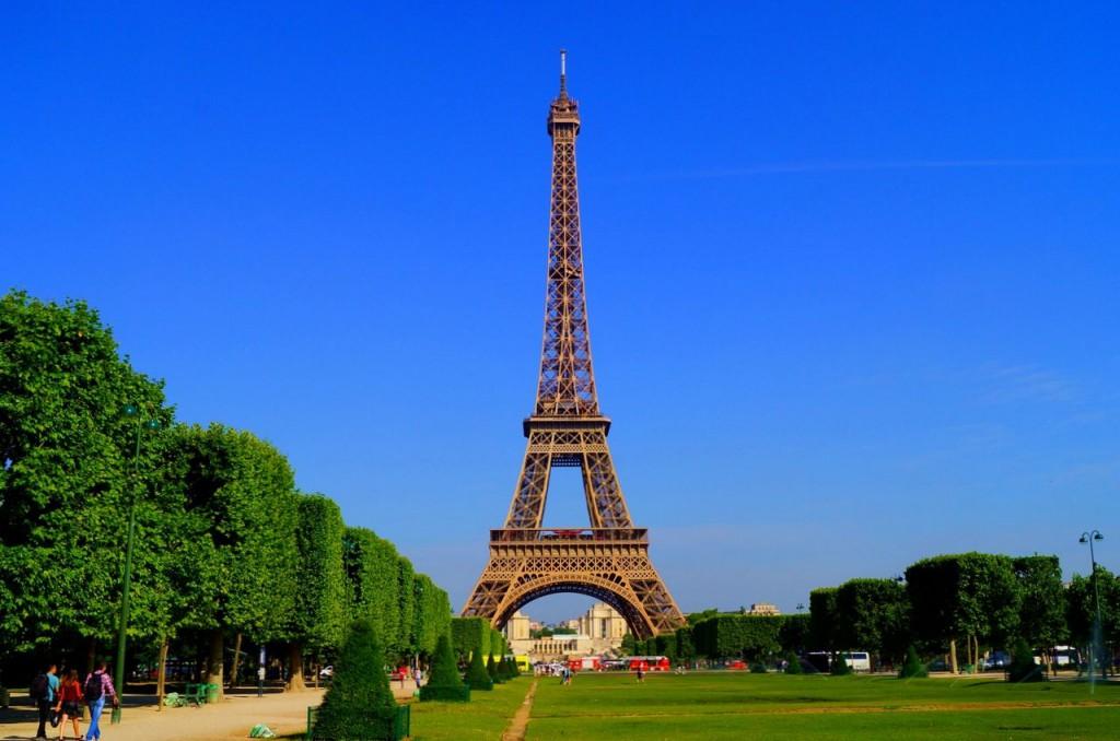 Эйфелева башня – символ Парижа