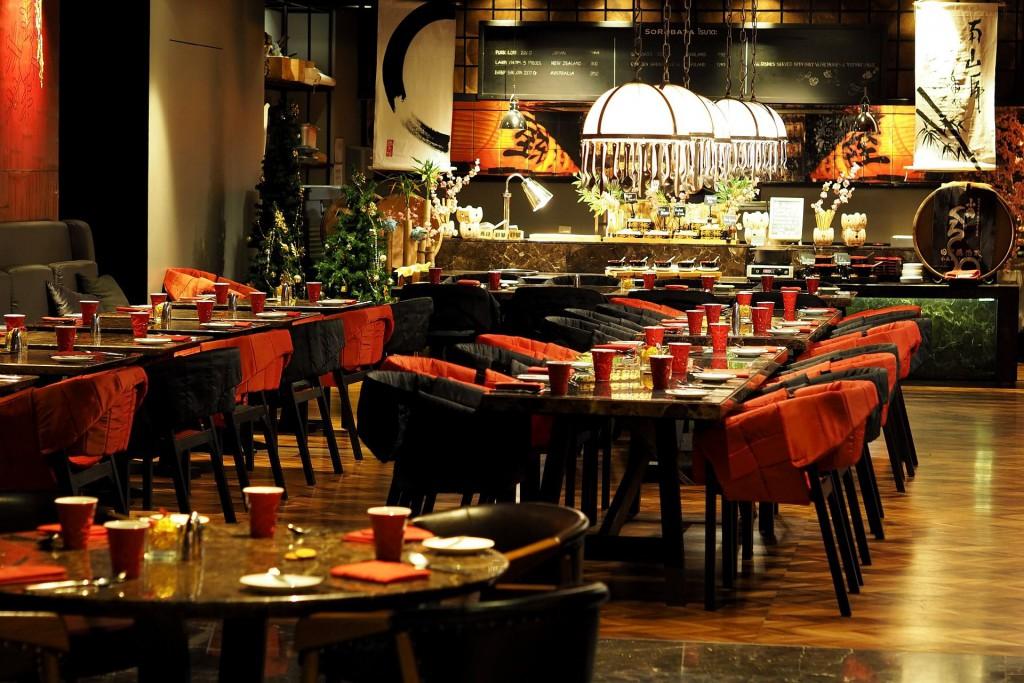 Ресторан с восточным интерьером