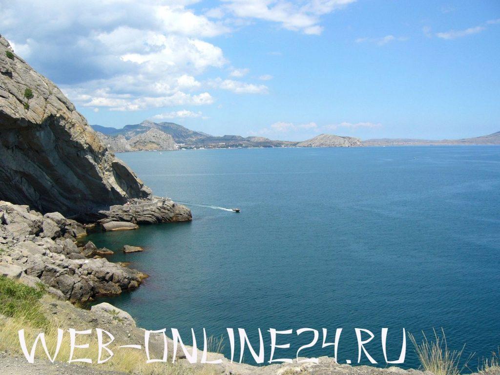 Вид на Синюю бухту с тропы Голицына
