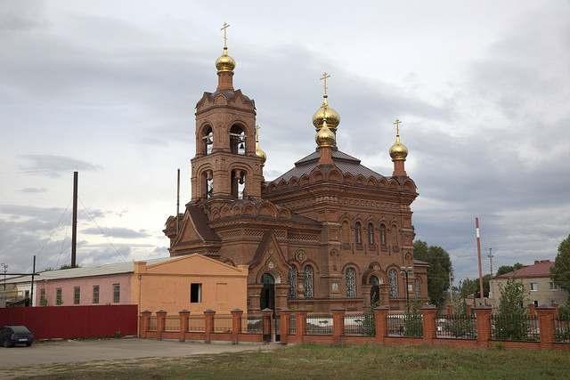 Крестовоздвиженская церковь в Хвалынске Саратовская область