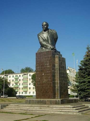 Памятник В.И. Ленину в Стерлитамаке