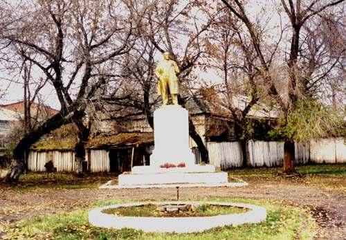 Памятник В.И. Ленину в Балаково