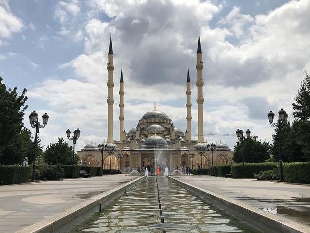 """Мечеть """"Сердце Чечни"""" в городе Грозном"""